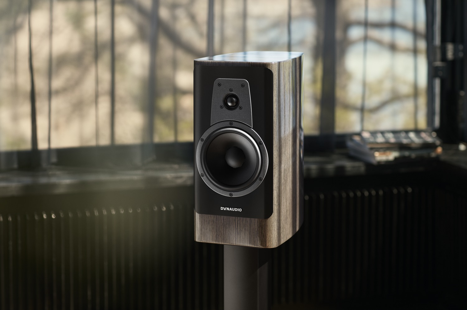 Dynaudio Contour 20i in het High Gloss Grey Oak